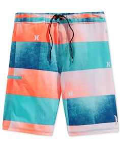 For authentic, shred-ready surf style and comfort, choose these Kingsroad Light boardshorts from Hurley, featuring durable, stretch fabric, a sporty performance fit and an allover stripe-print design.