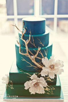 turquoise ombre wedding cake. Peacocks instead of flowers & branches!!!