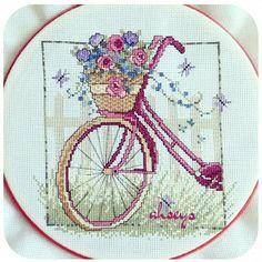 Ahseys Diy Embroidery, Cross Stitch Embroidery, Cross Stitch Patterns, Crochet Crafts, Diy Crafts, Simple Cross Stitch, Stitch 2, Needlework, Crossstitch