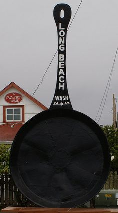 World's Largest Frying Pan    You'd think it'd be a simple thing to identify the world's largest frying pan, but there are six in the United States alone that make that claim.    http://blogs.villagevoice.com/forkintheroad/2010/07/the_worlds_larg.php