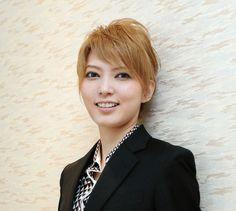 宝塚歌劇団の朝夏まなと - Yahoo!ニュース(デイリースポーツ)