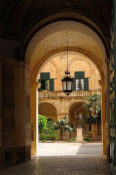 Malta, Valletta, Grand Masters Palace
