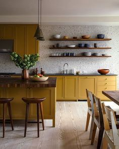 Kitchen Wallpaper Ideas (Country and Modern Kitchen Wallpaper) - How to decorate the kitchen wall? One of the beneficial we can do is applying kitchen wallpaper. With this article will give some kitchen wallpaper ideas. Home Decor Kitchen, Kitchen And Bath, Kitchen Interior, New Kitchen, Home Kitchens, Country Kitchen, Rustic Kitchen, Kitchen Modern, Kitchen Dining Rooms