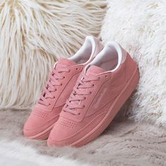 size 40 b2a31 34174 Instagram post by FOOTASYLUM Women • Dec 22, 2017 at 4 03pm UTC. Alustan  LenkkaritSneakers MuotiReebok