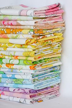 "great post from ""in color order"" describing how to spot a truly vintage sheet"