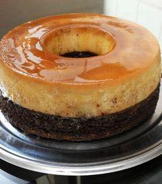Bolo pudim de liquidificador do Edu Guedes Cheesy Recipes, Sweet Recipes, Cake Recipes, Dessert Recipes, Portuguese Desserts, Portuguese Recipes, Brazillian Food, Condensed Milk Cookies, Flan Cake