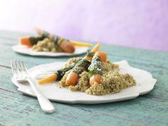Gedämpfte Bärlauch-Möhren sind dank des mineralstoffreichen Pseudogetreides Quinoa absolut glutenfrei und daher auch bei Zöliakie bestens geeignet.
