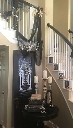 40 Awesome Halloween Indoor Decoration Ideas - Real Time - Diet, Exercise, Fitness, Finance You for Healthy articles ideas Spooky Decor, Halloween Home Decor, Diy Halloween Decorations, Halloween House, Spirit Halloween, Holidays Halloween, Halloween Crafts, Halloween Stuff, Spooky Halloween