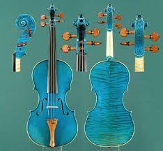 Určitě každému, kdo se pohybuje v dění houslí jsou známé tyto geniální housle. Samozřejmě neodmyslitelně k tomuto skvostu patří jméno Pavel Šporcl, který na tyto housle hraje.