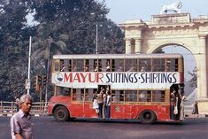 A unidentified double decker bus in Calcutta - image taken in January London Dreams, First Prime Minister, Ashok Leyland, Asia City, Vintage India, Double Decker Bus, London Bus, India Travel