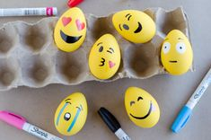 18 Ridiculously Easy Easter Crafts Anyone Can Do - The Krazy Coupon Lady Emoji Easter Eggs, Plastic Easter Eggs, Hoppy Easter, Easter Bunny, Crafts To Sell, Diy Crafts, Recycled Crafts, Do It Yourself Organization, Holiday Activities For Kids