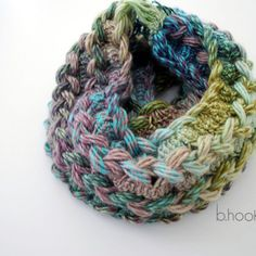 Hairpin Lace Infinity Scarf: Free Crochet Pattern and Video Tutorial