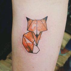 Feminine Tattoos, Sexy Tattoos, Sleeve Tattoos, Tattoos For Guys, Tattoos For Women, Cool Tattoos, Tree Tattoos, Geometric Giraffe Tattoo, Geometric Fox