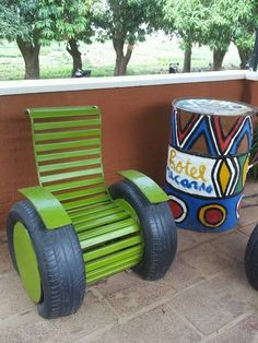 Do not throw out old tires, but reuse them! Find out awesome DIY craft ideas how to reuse your old tires! Tyres Recycle, Reuse, Upcycle, Recycled Tires, Tire Craft, Design Garage, Tire Furniture, Recycling, Tire Chairs