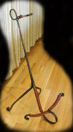 Guitar-Stand-Forged-Iron-and-Leather