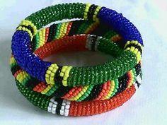 Beads bracelet-Multicolored Masai bracelets made in Kenya(Diameter 6.0cm)
