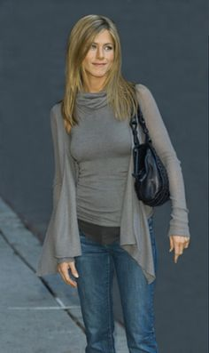 jennifer aniston style   Look at Jennifer Aniston: great simple and elegant casual style!