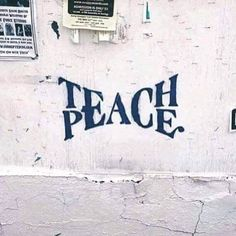 Teach Peace – Graffiti World Words Quotes, Me Quotes, Quotes Amor, Trust Quotes, Writer Quotes, Crazy Quotes, Urbane Kunst, Beautiful Words, Beautiful Pictures