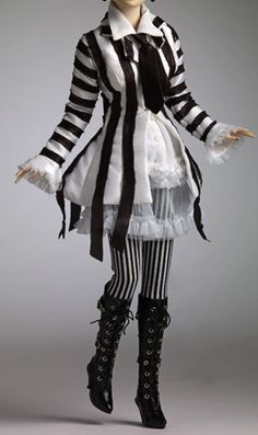 b, striped+ruffled dress, circus outfit (Tonner)