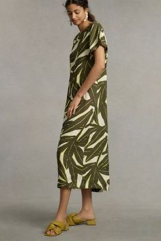 Girl Trends, Uk Fashion, Striped Linen, Clothes For Women, Style, Banana, Linen Dresses, Maxi Dresses, Tropical Prints