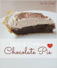 Rich, creamy, chocolatey, home made chocolate pie recipe. Great Desserts, No Bake Desserts, Delicious Desserts, Dessert Recipes, Yummy Food, Cold Desserts, Chocolate Pie Recipes, Chocolate Desserts, Chocolate Cream