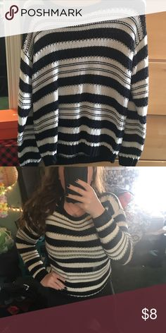Black and white striped knit sweater Super cute and warm knit sweater! Black and white stripeds. Since it's starting to warm up outside, i'll put this on sale for super cheap! OBO 💕 Forever 21 Sweaters Crew & Scoop Necks