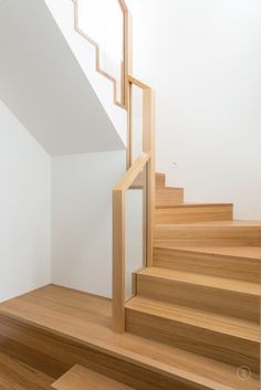 A pared back, modern stair, Normanby Road makes a statement with a feature landing and boxed glass balustrade. Timber Staircase, Staircase Handrail, Oak Stairs, Glass Stairs, House Stairs, Stair Railing, Staircase Design, Cottage Staircase, Interior Stairs