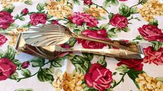 NIB Royal Albert Old Country Roses All Purpose Buffet Tongs - Gold Accent Flatware Serving Piece Stainles Bridal Wedding Anniversary Table Country Rose, Gold Flatware, Rose Cottage, China Patterns, Royal Doulton, Royal Albert, All Pictures, Gold Accents, Wedding Anniversary