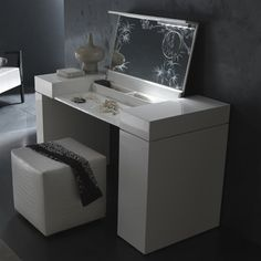 Rossetto USA T4127000000 Nightfly Dressing Table - ATG Stores. 2400.00