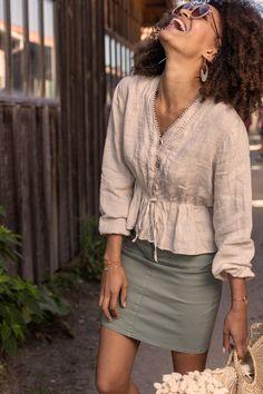 Blouse femme en lin beige été galon au col Leather Skirt, Beige, Couture, Long Sleeve, Skirts, Sleeves, Tops, Fashion, Fashion Now