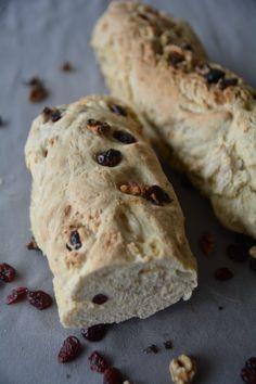Walnuss-Brot mit fruchtigen Cranberries – ein schnelles Leckerbrot
