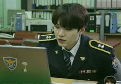 first Not Today comeback stage with uniform, now BTS Run with POLICE UNIFORM and YOON as the CHIEF. They kill me again ansdjkahhaskh