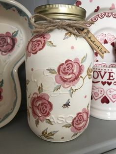 Kilner Jar, painted cream and hand finished with Rose and Bee detail. Height of Jar is Lightly sealed to give a good finish. Each item hand finished so each will differ slightly. Mason Jar Crafts, Mason Jar Diy, Bottle Crafts, Painting Glass Jars, Magic Crafts, Kilner Jars, Jar Art, Ball Jars, Altered Bottles