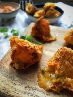 Chili Cheese Tops - opskrift på lækker snasket snack, der både er glutenfri og low carb/LCHF --> Madbanditten.dk