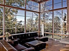 Milgard thermal break aluminum provide homeowners with a modern, sleek window option Aluminium Windows And Doors, Container Architecture, House Windows, House Extensions, Home Additions, Living Room Colors, Fireplace Design, Furniture Layout, Living Room Lighting