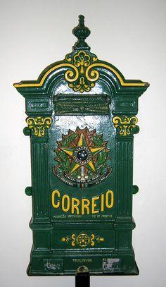 Boîte aux lettres brésilienne 1900  © L'Adresse Musée de La Poste / La Poste, DR.