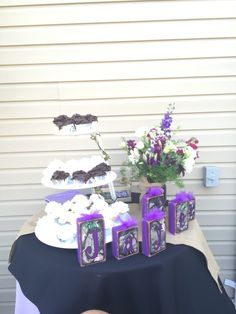 Cupcake table rustic baby shower