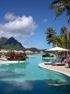 Bora Bora Pearl Beach Resort, swimming pool