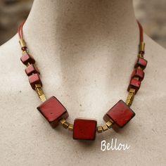 Collier cubes fimo rouges et noirs : Collier par bellou