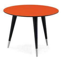 """AK 2510-2562 från Naver är en serie """"lätta"""" och otroligt eleganta soffbord i flera storlekar och former. Borden kan fås med bordsskiva i massivt trä eller i kompaktlaminat i färgerna vit, antracit eller bränd orange. Benen kan fås i tre höjder 40/46/51 cm, antingen i samma träslag som bordsskivan eller i svartbets, med stålfoder eller rent träben."""