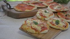 Pizzetas para chicos - Maru Botana Happy B Day, Canapes, Kfc, Deli, Catering, Buffet, Sandwiches, Food And Drink, Favorite Recipes
