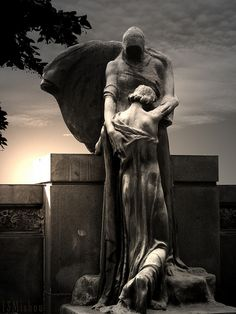 Marker- Death Taking Hold, Fantastic Headstone. http://www.thefuneralsource.org/cemloc.html