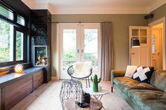 Een aantal maanden geleden mochten we een interieuradvies opleveren voor een prachtige karakteristieke twee-onder-een-kapwoning in Arnhem. De woning heeft een speelse lichtinval, met gescheiden woonkeuken en een aparte huiskamer. Een fijn huis omringd door een heerlijke tuin, met terras op het zuidoosten.   Interieurontwerp: Laura Hindriks Fotografie: Angeline Dobber Windows, Ramen, Window