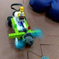 Imaginação  Robótica = Realizar Sonhos  #imagination #robô #roboteducation #robótica #robot #education #lego #wedo #legoeducation #life #kids #fun #ingeneer #engenharia #dreams #cientistas #fly