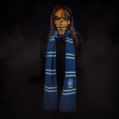 Even scarecrow wants a scarf for Halloween !