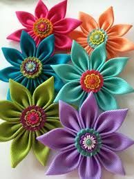 Saving this for reference for cute flower centerpiece ideas :) Květy do vlasů * kanzashi Neon ribbon flower for the hair. Ribbon Art, Diy Ribbon, Ribbon Crafts, Fabric Ribbon, Flower Crafts, Fabric Crafts, Grosgrain Ribbon, Satin Fabric, Cloth Flowers