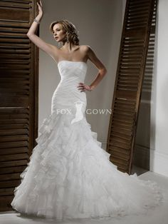 chic mermaid wedding dress organza pleated and ruffled tiers skirt with fishtail train