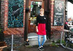 Kaffegrut må ikke kastes! De ansatte på kaffebaren Traktern i Horten samler kaffegrut som skal brukes i alt fra miljøvennlige såper til mat for meitemark. Waist Skirt, High Waisted Skirt, Skirts, Fashion, Moda, High Waist Skirt, Fashion Styles, Skirt