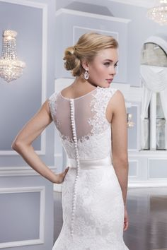 The most beautiful wedding dresses by Lillian West – PART 1