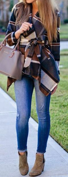 I love this! Fall Looks- Fall Outfits for Fall Fashion Ideas Plaid jacket